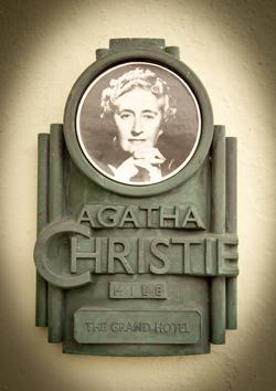 a summary of a hercule poirot novel by agatha christie Evil under the sun: a hercule poirot mystery agatha christie, author, david  suchet, read by , read by david suchet audioeditions $3995 (0p) isbn.